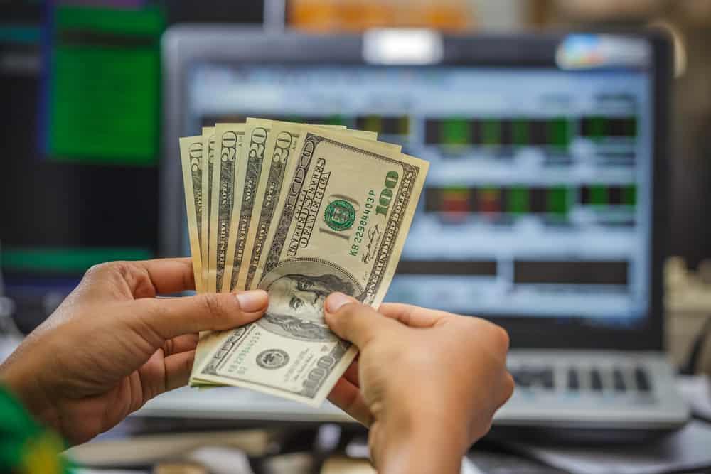 Торговля бинарными опционами отзывы о заработке